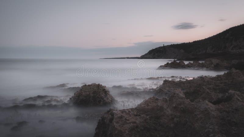 在佩尼伊斯科拉附近的坚固性海岸线 库存图片