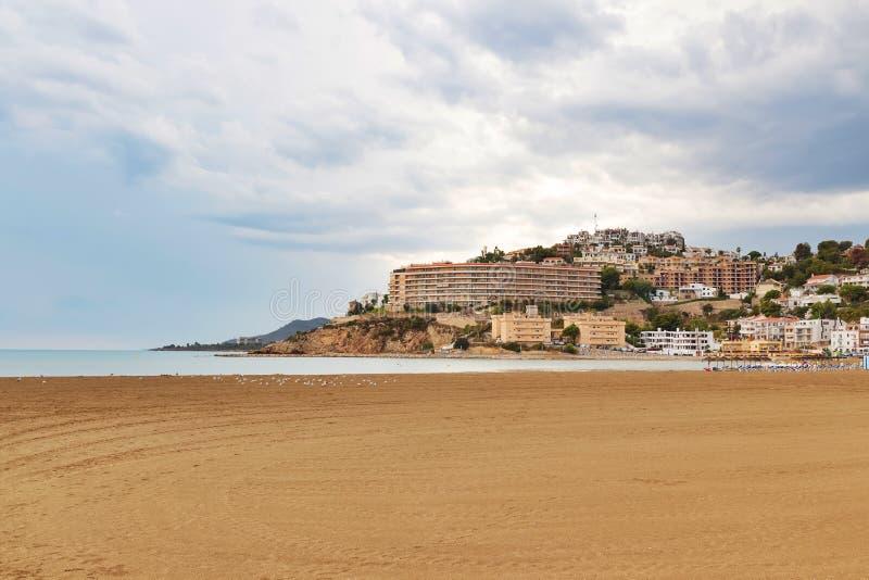 在佩尼伊斯科拉,西班牙海滩和旅馆的看法  免版税库存图片