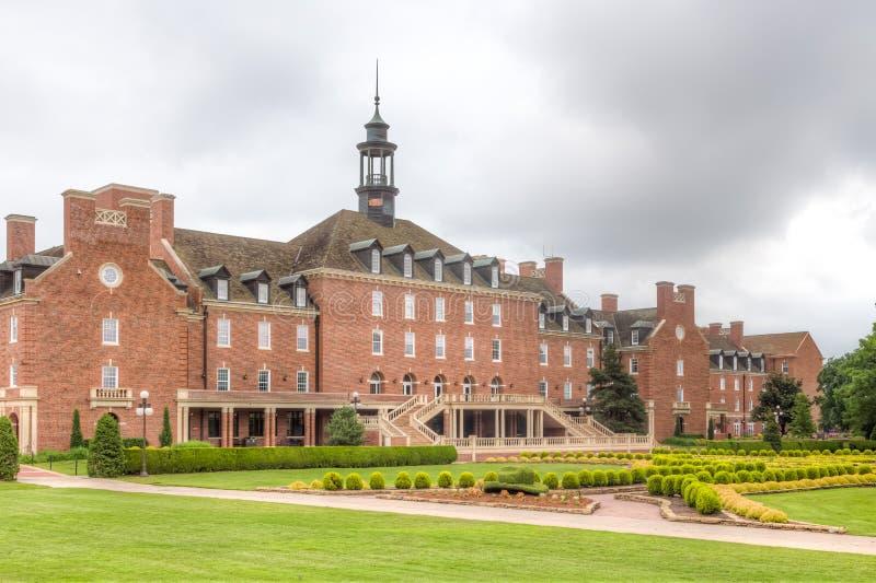Download 在俄克拉何马州立大学的大学生联盟大厦 编辑类库存照片. 图片 包括有 教育, 拱道, 知识, 外部, 阿卡迪亚 - 72369383