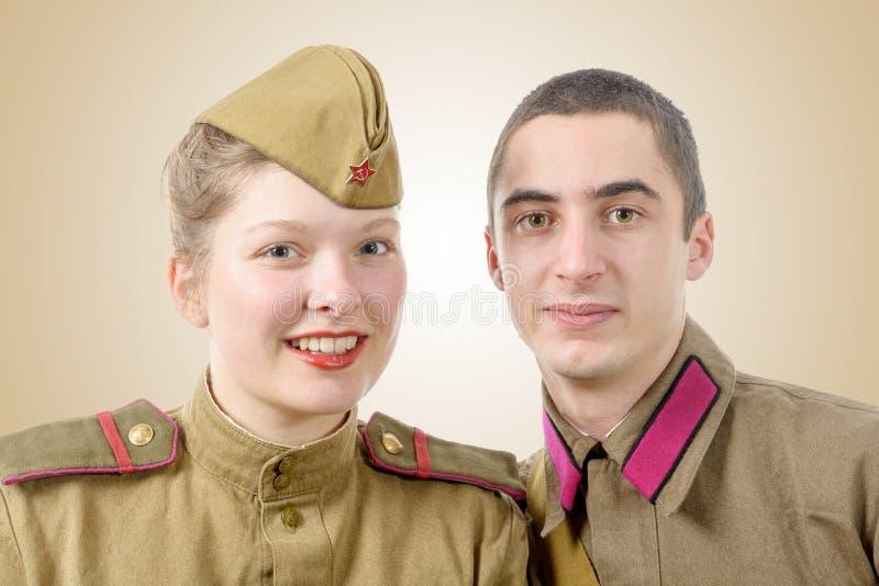 在俄国军服的画象夫妇 免版税库存照片