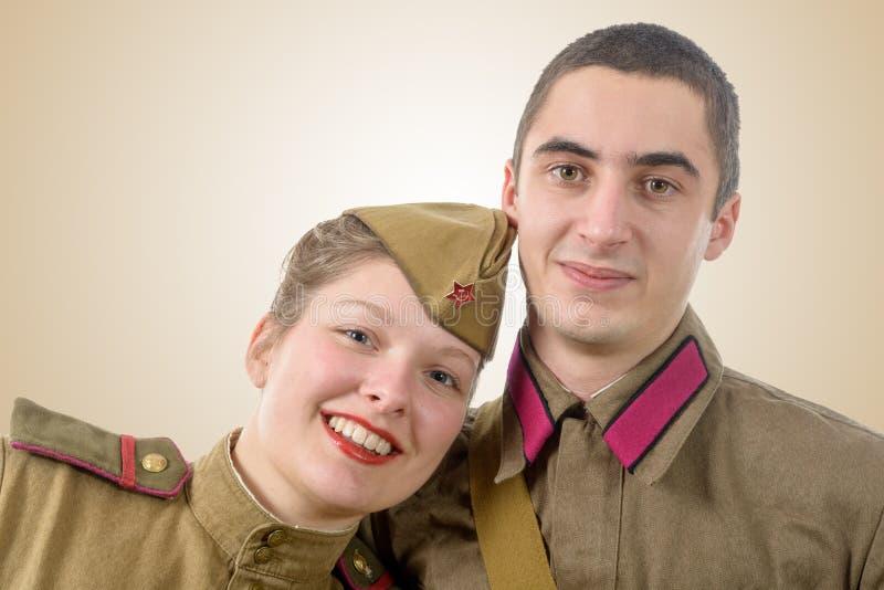 在俄国军服的画象夫妇 免版税图库摄影