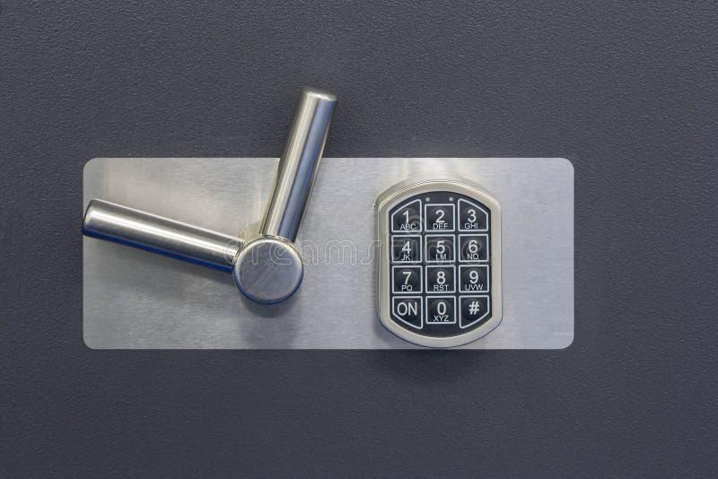 在保险柜的数字式安全锁代码 库存照片