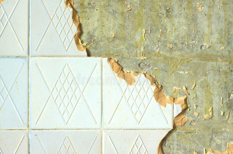 在修理室墙壁的陶瓷盖瓦 图库摄影
