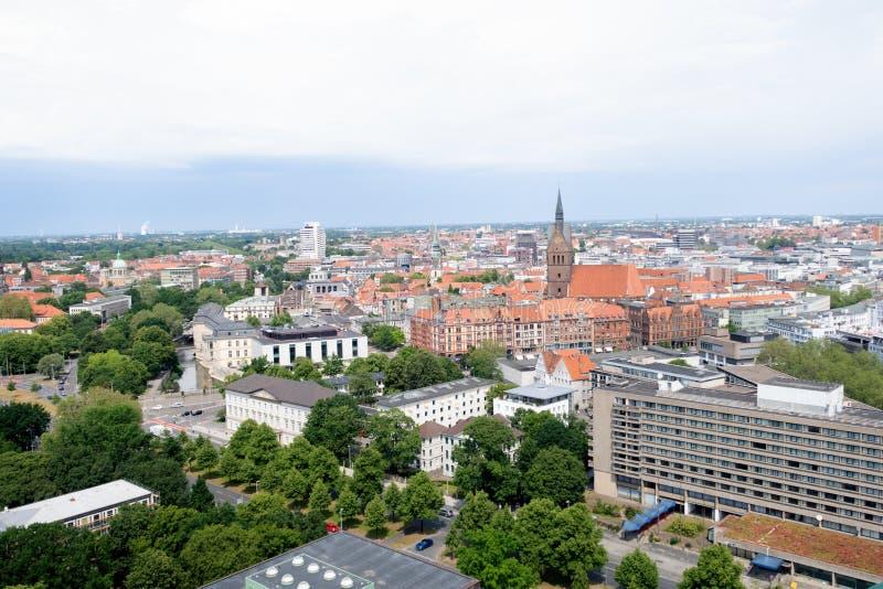 在修造的外部的看法从新的民用大厅的塔在汉诺威德国 库存照片