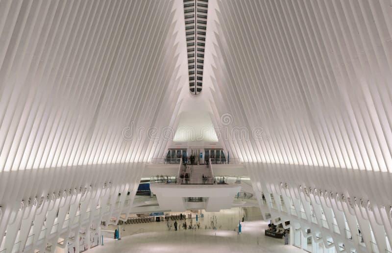在修造纽约的Oculus里面 免版税图库摄影