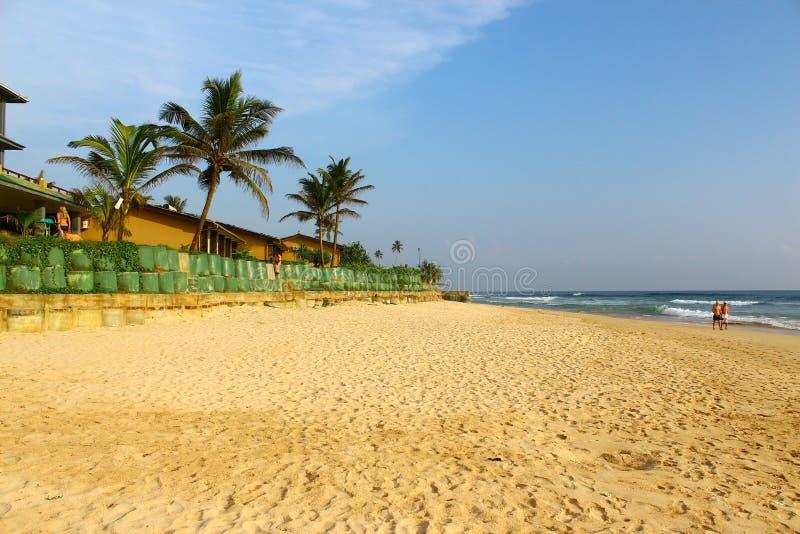 在俱乐部Koggala村庄的海滩 库存照片