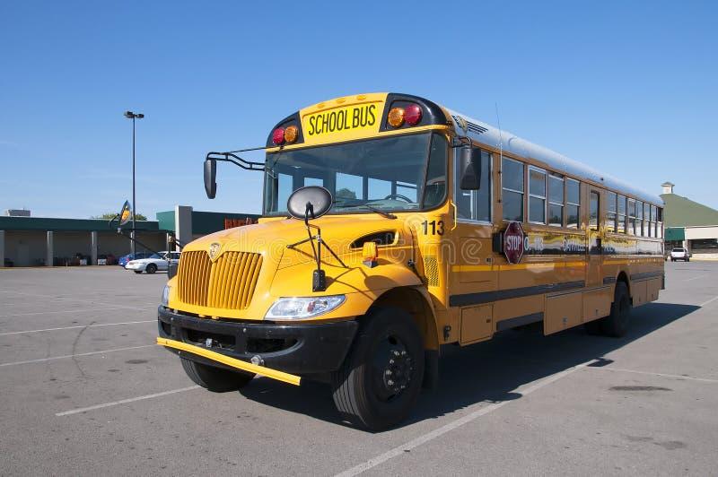 在停车场的Schoolbus在Bardstown肯塔基美国 免版税图库摄影