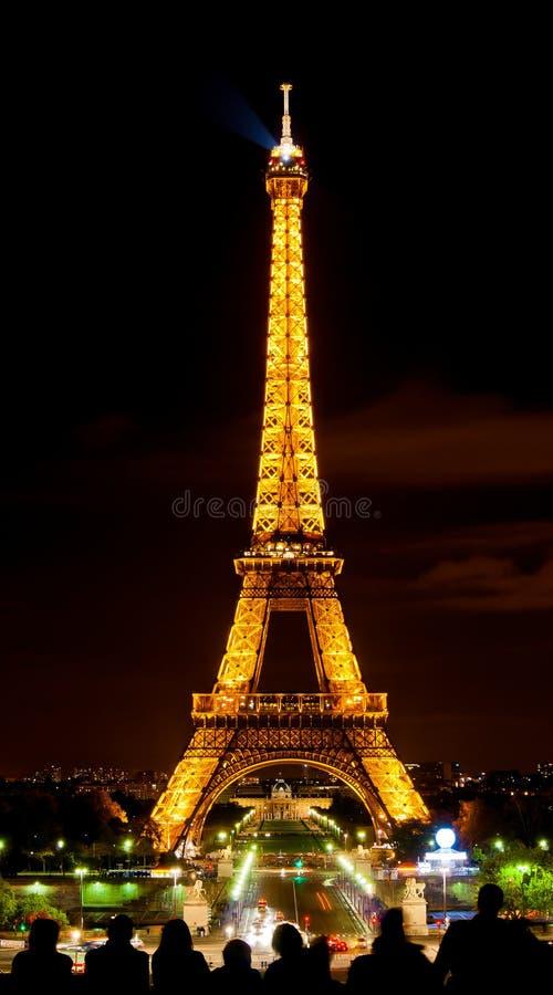 在光的Eiffle塔在晚上 库存图片