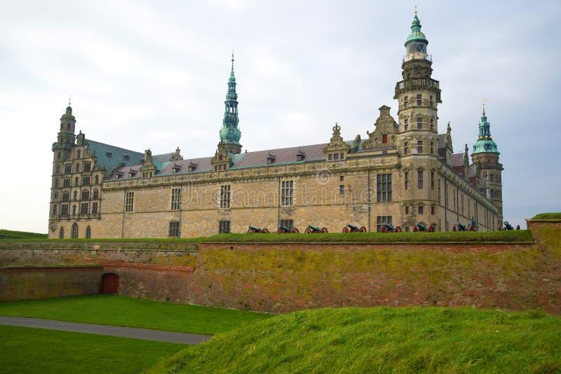 在克伦堡城堡的一多云11月天 Helsinger,丹麦 图库摄影