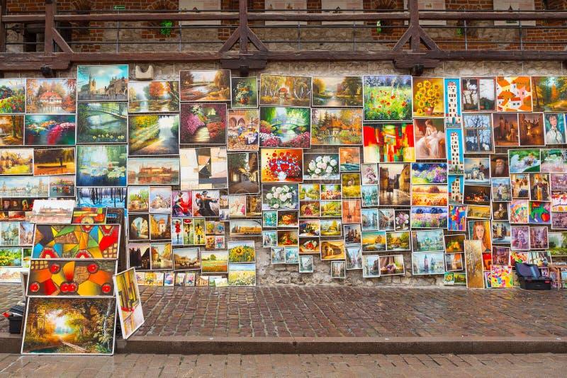 在克拉科夫城市墙壁上的室外画廊  免版税库存照片