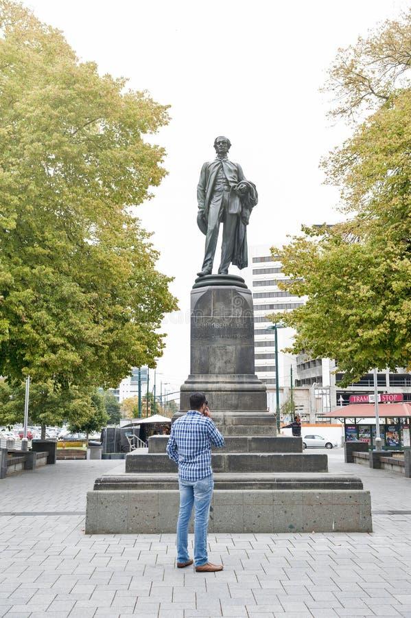 在克赖斯特切奇大教堂前面位于的Godley雕象在大教堂广场作为记念对约翰罗伯特Godley 免版税库存图片
