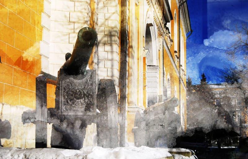 在克里姆林宫显示的老大炮 艺术性的拼贴画纸张水彩 免版税库存照片
