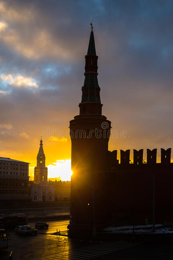 在克里姆林宫的日落在冬天 图库摄影