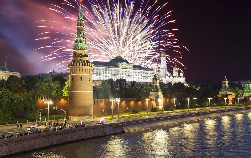 在克里姆林宫,莫斯科,俄罗斯的烟花--莫斯科普及的见解  库存图片