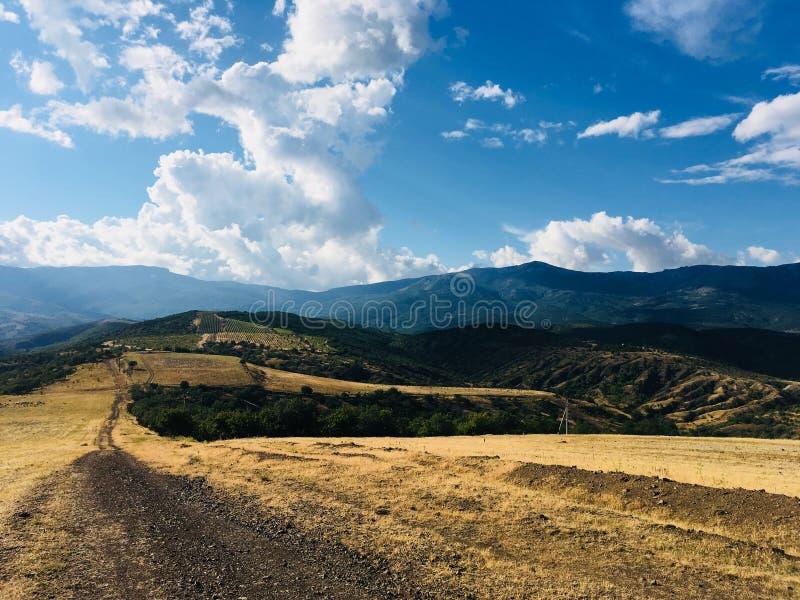 在克里米亚半岛山的步行 图库摄影