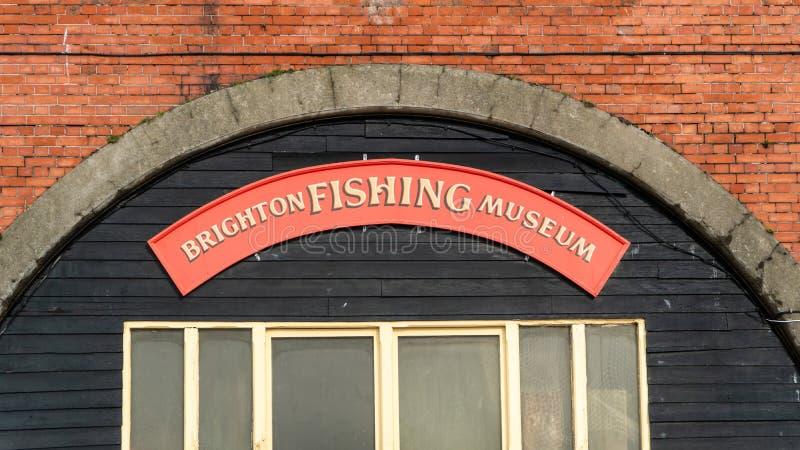 在入口上的标志对布赖顿钓鱼博物馆在布赖顿,英国 库存图片