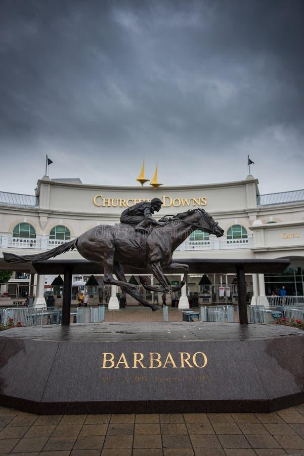 在入口的Barbaro雕象向丘吉尔Downs 库存图片