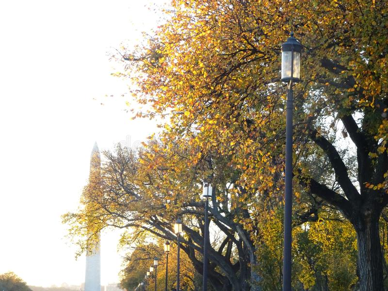 在全国购物中心的日落在秋天 库存图片