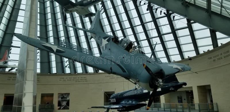 在全国陆战队博物馆的一架二战SBD大胆的俯冲轰炸机 库存照片