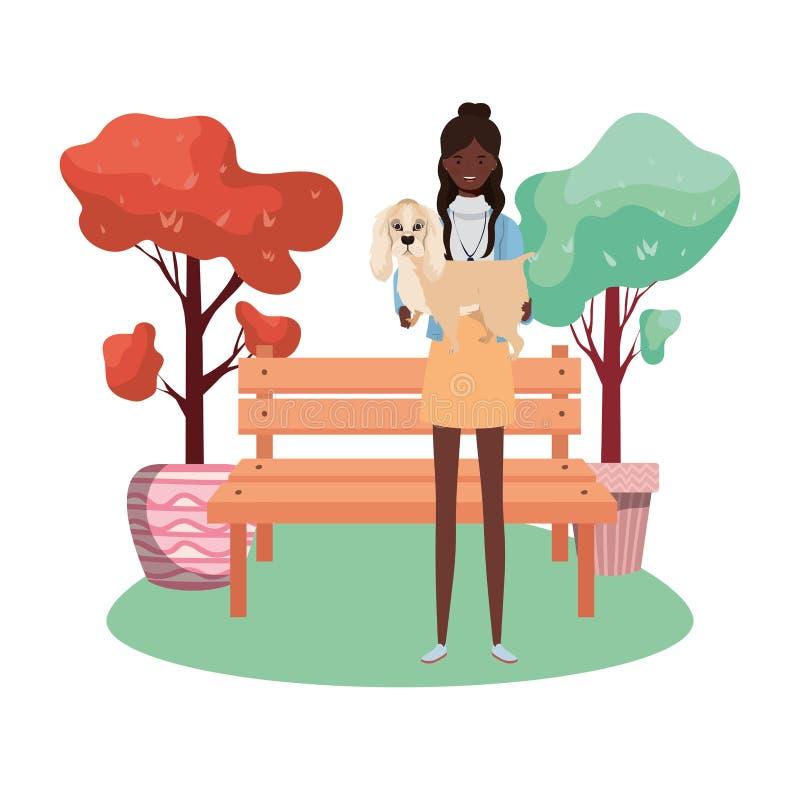在公园里举起可爱狗的非洲女青年 库存例证