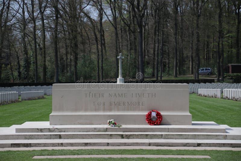 在公墓的坟墓在空中战士的Oosterbeek 库存图片