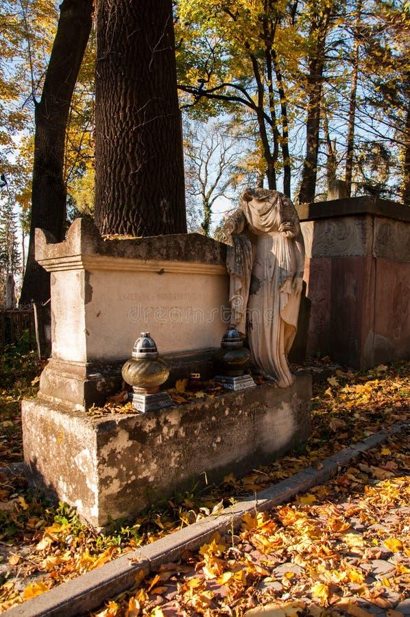 在公墓的老理葬 库存照片