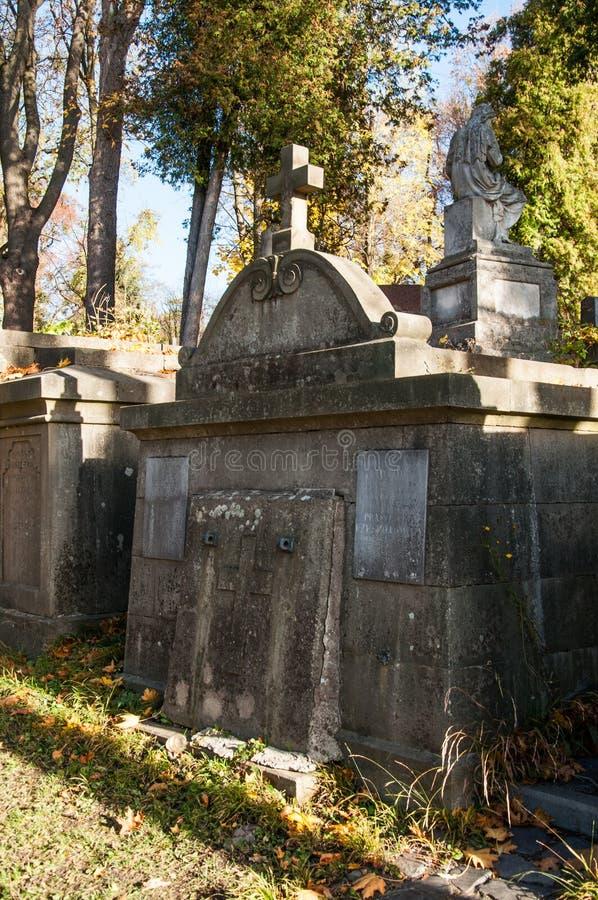 在公墓的老理葬 免版税库存照片