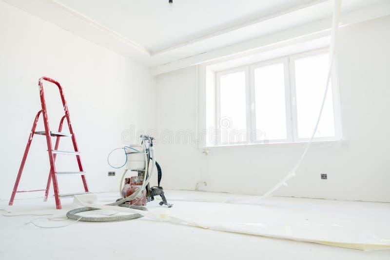 在公寓的修理 免版税库存图片