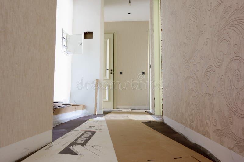 在公寓的修理 免版税库存照片
