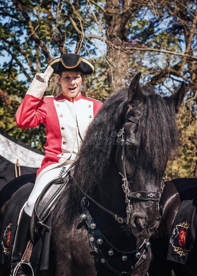 在公平矮子的幻想期间的英国骑兵御马者