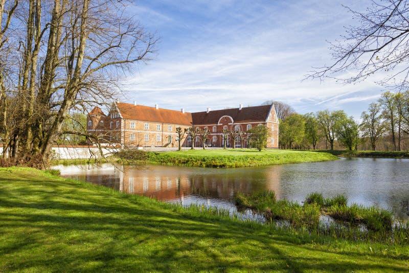 在兰讷斯,丹麦附近的Lovenholm城堡 免版税库存照片