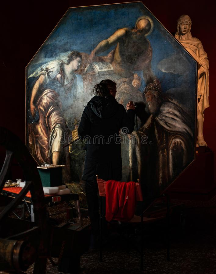 在共和国总督` s宫殿威尼斯的艺术恢复 免版税库存图片