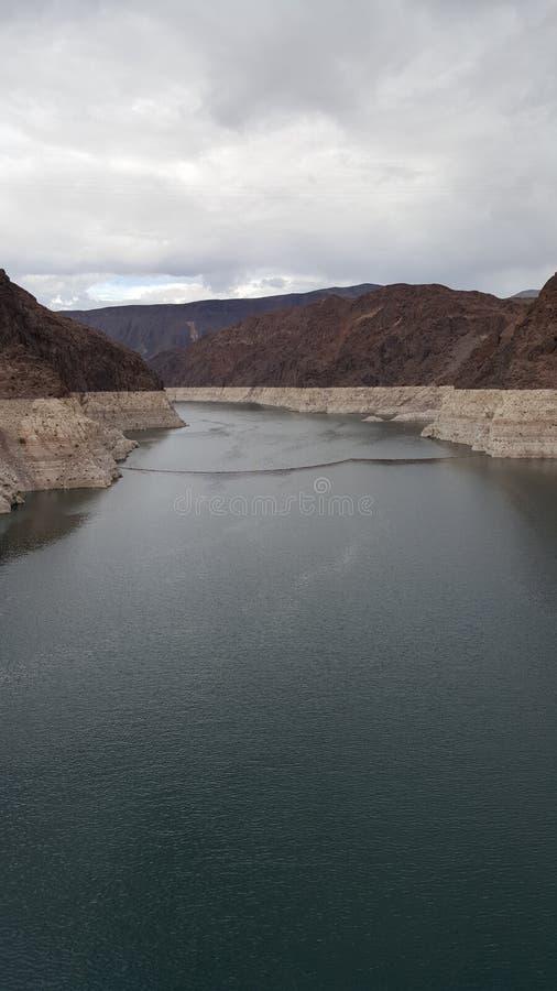 在内华达和亚利桑那,黑峡谷的边界的水力发电的发电器 免版税库存照片