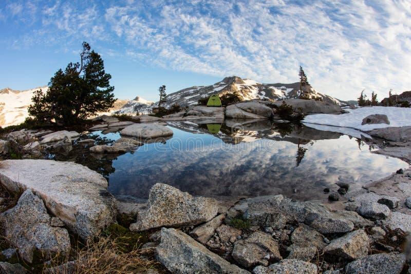 在内华达山山的平安的风景,加利福尼亚 库存图片