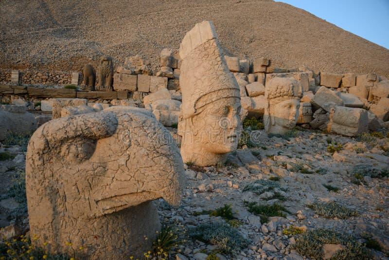 在内姆鲁特火山Dag大墓地的上帝头 免版税图库摄影