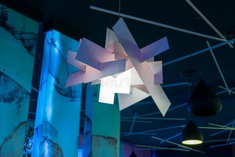 在内部的枝形吊灯在天花板下 库存照片