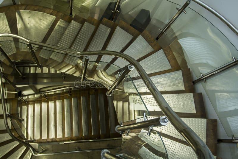 在内部的现代金属台阶 免版税库存图片