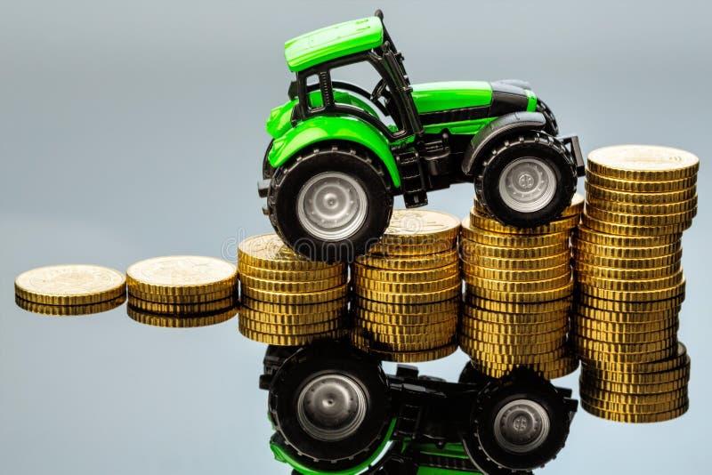 在农业的上涨成本 免版税库存照片