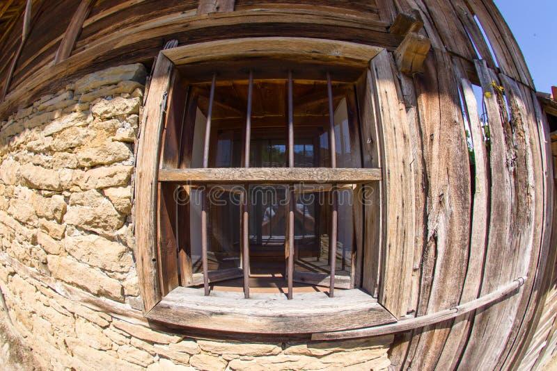 在农村保加利亚建筑学的木窗口 免版税库存照片