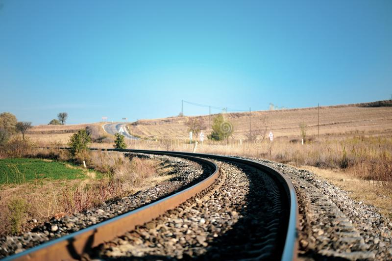 在农村的铁路 库存图片