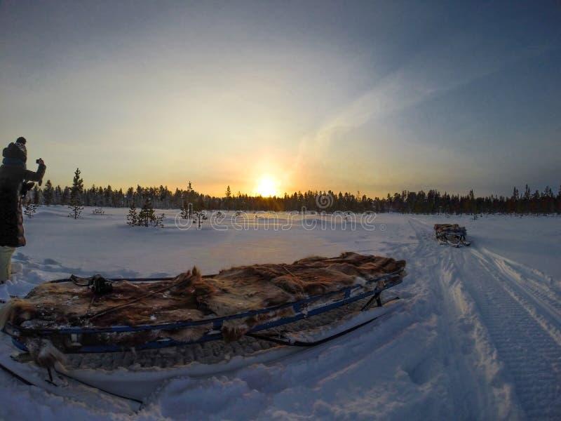 在冬天期间的日落 库存图片
