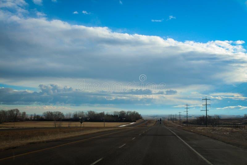 在冬时的农村大草原风景 库存照片
