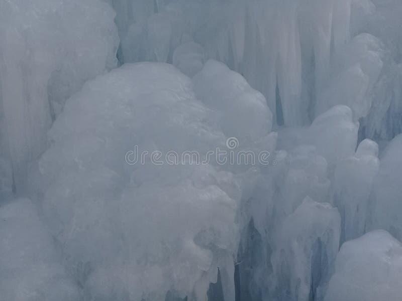 在冻Hwacheon河的雪雕在每年H期间 免版税库存图片