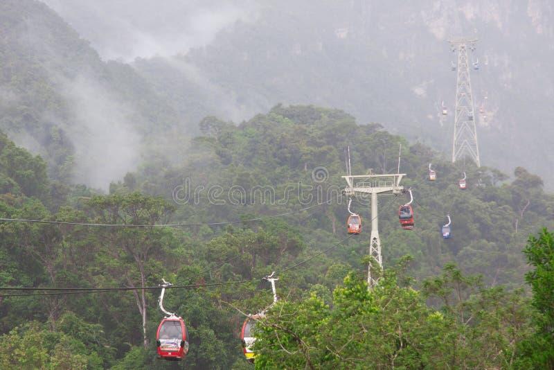 在凌家卫岛海岛,马来西亚上的缆车 免版税图库摄影