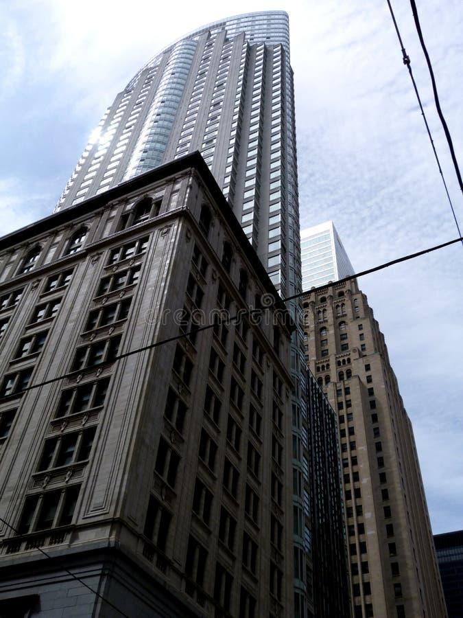 在减少的透视的多伦多高层塔 免版税库存照片