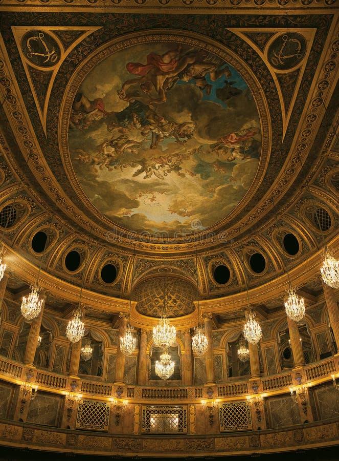 在凡尔赛宫的皇家歌剧天花板 免版税库存照片
