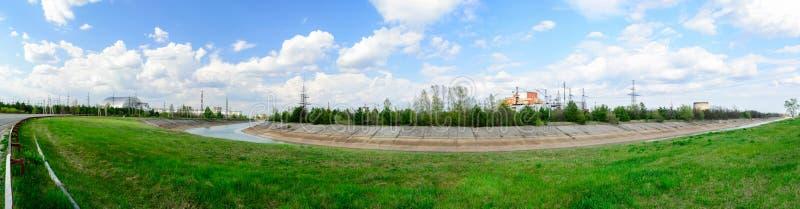 在切尔诺贝利核电站附近的全景 第一第二三和第四个电源单位 曲拱禁闭 库存图片