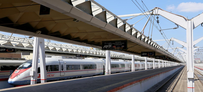 在列宁格勒驻地的Aeroexpress火车Sapsan 莫斯科俄国 免版税图库摄影