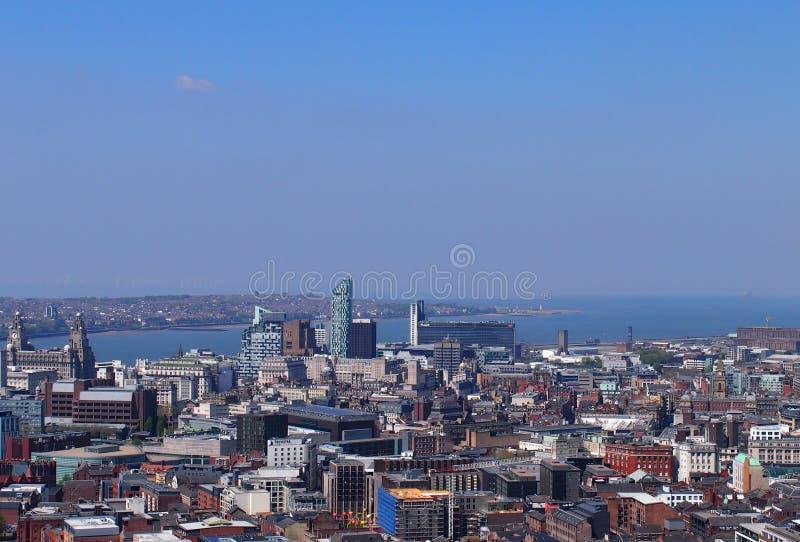 在利物浦的看法在一个晴天 图库摄影