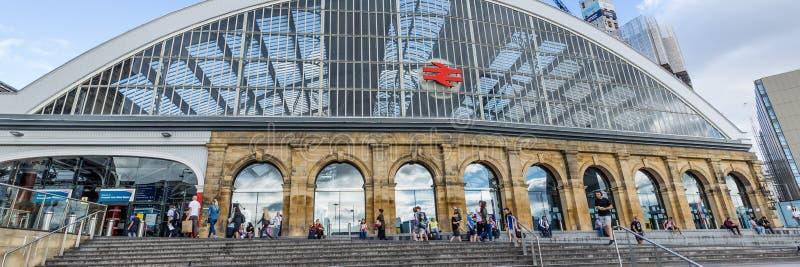 在利物浦,英国撒石灰街道火车站 库存图片